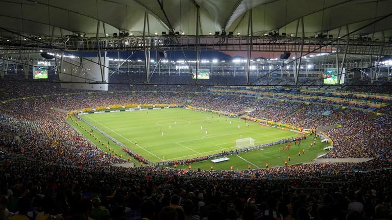 Alasan Mengapa Banyak yang Bermain Bandar Judi Bola